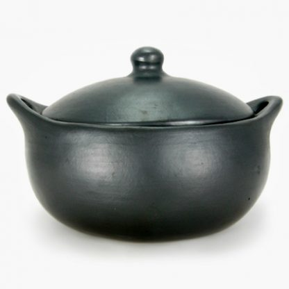 La Chamba 3 quart Oval Covered Casserole - Burnished Black